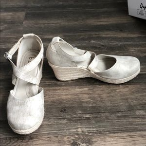 Gently used wedges